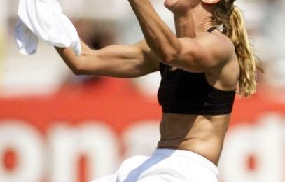 Soccer Star Brandi Chastain Pledges to Donate Brain to CTE Research