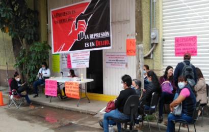 Trabajadores de la Jurisdicción Sanitaria de Valles Centrales exigen pagos