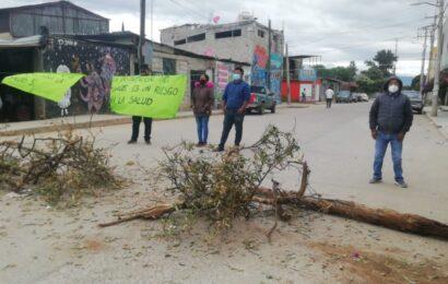 Vecinos de la Colonia San Isidro de Pueblo Nuevo impiden instalación de tianguis