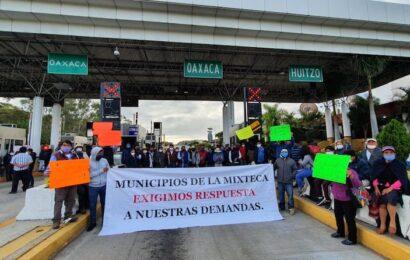 Con toma de caseta de Huitzo, ediles de la Mixteca piden audiencia con Murat