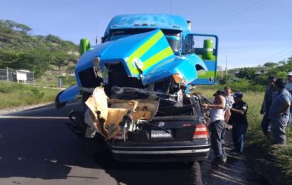 Dos muertes, saldo de un fuerte choque en el Istmo