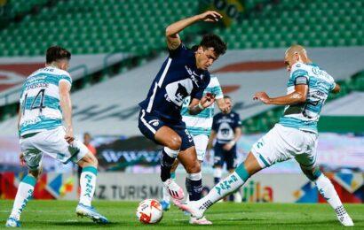 Con par de golazos, Pumas derrota a Santos y es líder de la Liga MX