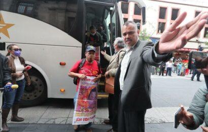 Hoy se reunirá López Obrador con padres de los 43 normalistas