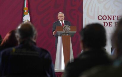 Improcedente queja del PAN contra conferencias matutinas de AMLO: INE