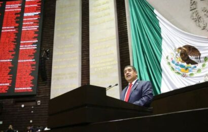 Muere el diputado del PES Acundo González por Covid-19