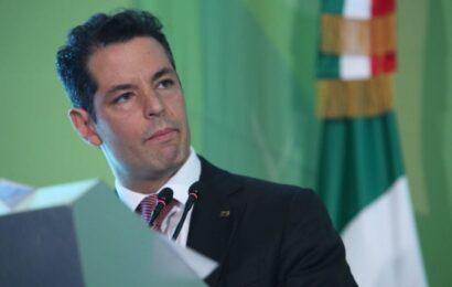 Exigen cuentas a Murat Hinojosa sobre contratos con Prometeo, empresa ligada a César Duarte