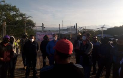 Habitantes de San José del Progreso bloquean accesos a minera; exigen entrega de recursos
