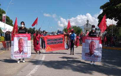 Marcha Sol Rojo en la capital para exigir atención a sus demandas