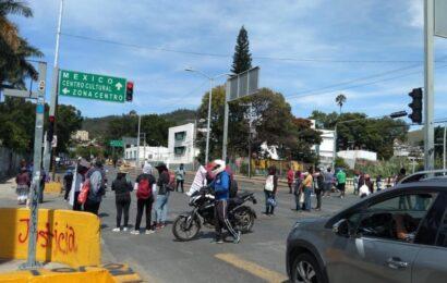 Marcha de organizaciones sociales reforzarán plantón en Zócalo de Oaxaca