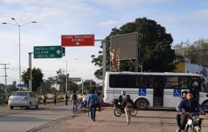 En demanda de obras, bloquean en el Monumento a Juárez en Xoxocotlán