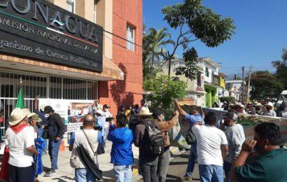 Protesta Copuda en CONAGUA, denuncia incumplimiento de acuerdos