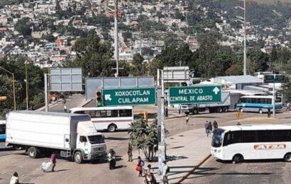 Paralizan tránsito en Oaxaca de Juárez con 8 bloqueos