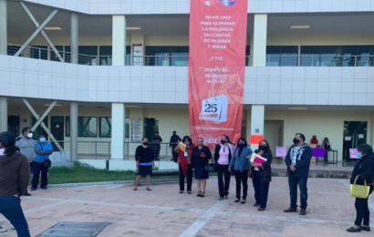 Burócratas protestan en Ciudad Judicial; piden trato igualitario e incremento de salario