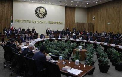 Comisión del INE confirma a 5 aspirantes a dirigencia de Morena