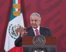 Sale López Obrador negativo a Covid-19