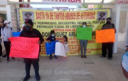 Familia expulsada de Tamazulapám exige justicia y retorno a su comunidad