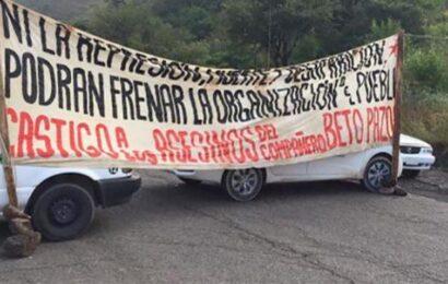 Taxistas impiden paso a vehículos en la carretera Huajuapan-Oaxaca