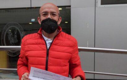 Padres reúnen firmas para proteger a niños con cáncer