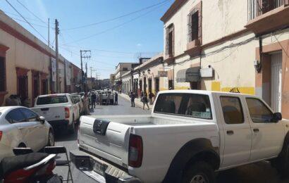 Trabajadores de los programas Vectores bloquean las oficinas de los SSO