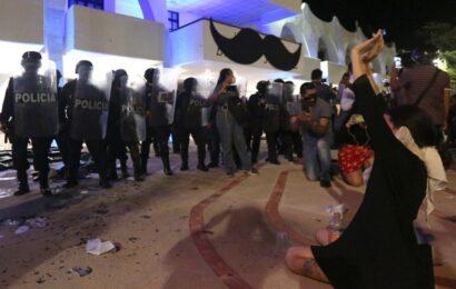Destituyen a director de la Policía Municipal de Cancún que ordenó agresión a balazos contra manifestantes