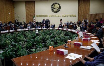Hoy entrega la UIF al INE la indagación a Pío López Obrador
