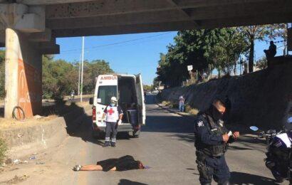 Muere mujer tras arrojarse del Puente Valerio Trujano, en la Capital
