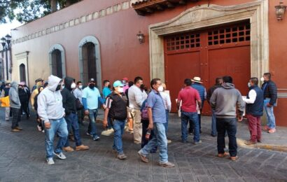 FIPOO y Afodepo bloquean para exigir su bono de Navidad al gobierno