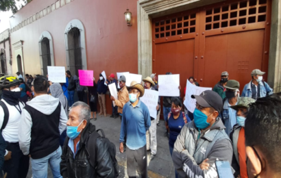 Comuna y pobladores de Loxicha exigen renuncia del edil