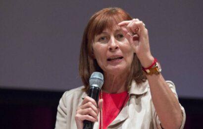 AMLO anuncia cambios en el gabinete, todos de mujeres; Tatiana Clouthier va a Economía
