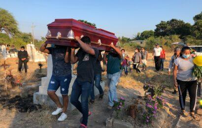 Sepultan a marino localizado tras 30 meses desaparecido en Oaxaca