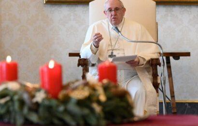 Adelantará papa Francisco misa de Gallo por toque de queda en Italia