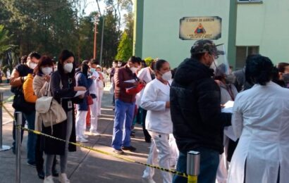 Tras aplicación de vacuna contra COVID-19, 23 trabajadores del IMSS presentaron efectos secundarios