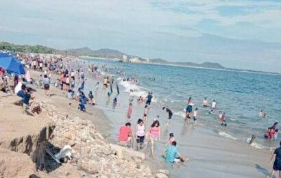 En Salina Cruz reportan lleno en sus playas a pesar de pandemia