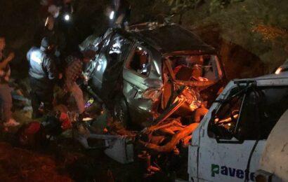 Cuatro fallecidos y dos lesionadas deja accidente en Ayoquezco de Aldama