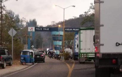 Con bloqueo, habitantes de Sola de Vega exigen renuncia del presidente municipal