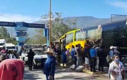 Por segundo día, pobladores cierran accesos a Sola de Vega