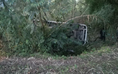 Personas lesionadas y daños materiales deja fuerte accidente en la Cañada