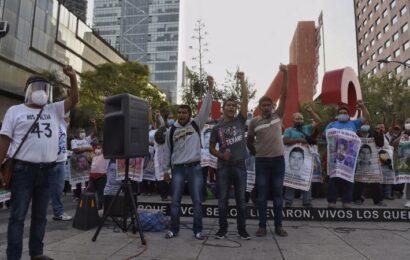 Sin mencionar a Cienfuegos, AMLO asegura que caso Ayotzinapa sigue abierto