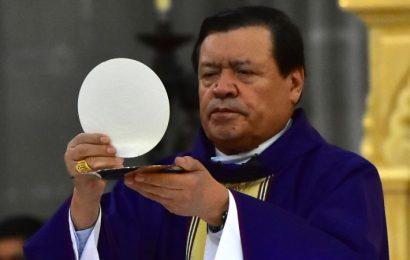 Norberto Rivera fue desintubado y tiene «mejoría en general», dice su exvocero