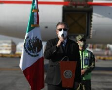 "Revelar expediente contra Cienfuegos ""dará respeto a México"": Ebrard"