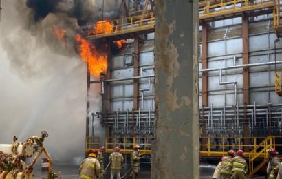 Reportan explosiones en Refinería de Salina Cruz