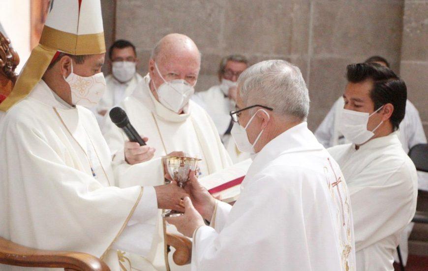 Iglesia pide priorizar vacunación contra COVID-19 de sacerdotes