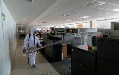 Desinfección constante para proteger al personal de la Secretaría de Administración
