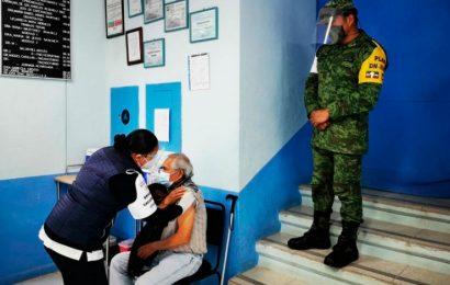 Van 13 mil 437 adultos mayores vacunados en Oaxaca
