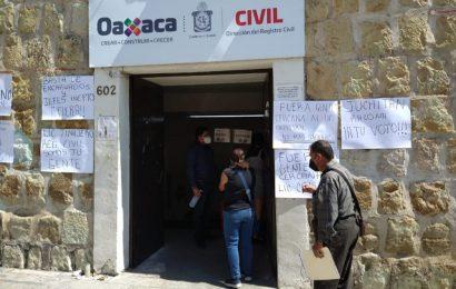 Trabajadores del Registro Civil piden a nuevo director en esa dependencia