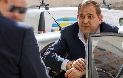 Reanudan audiencia de Alonso Ancira tras receso por problemas de salud