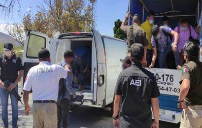 Rescatan 20 indocumentados centroamericanos en Oaxaca; 6 son mujeres