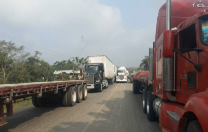 Después de 10 días, pobladores de Mazatlán retiran bloqueo