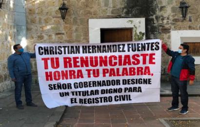 Empleados del Registro Civil mantienen protestas, exigen designación de director