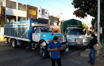 En Santa Lucía, reactivan bloqueos por suspensión de vacunación a adultos mayores